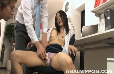Adorable Asian beauty Mai Mizuswa enjoys anal and pussy licking
